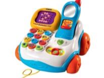 Telefone de brinquedo para uma criança em 1 ano