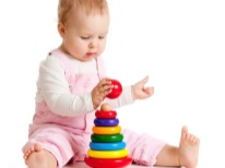 Desenvolvendo uma pirâmide para uma criança de 1 ano