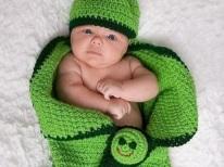 Bozzolo di pannolini all'uncinetto per neonati
