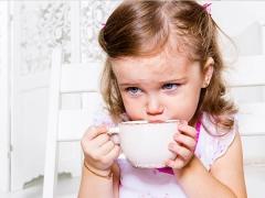 Apa yang anda boleh makan seorang kanak-kanak dengan cirit-birit?