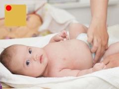 Wat te doen met diarree met bloed bij een kind?