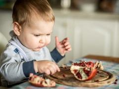 Bolehkah kanak-kanak menggunakan delima dan berapa usia yang boleh diberikan delima jus?