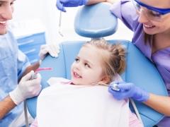 รักษาฟันน้ำนมในเด็ก