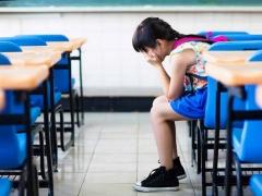 เด็กไม่พอใจที่โรงเรียน: คำแนะนำของนักจิตวิทยา