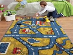 Permaidani kanak-kanak dengan jalan raya