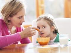 อาหารสำหรับอาการท้องผูกในเด็ก