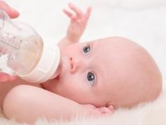 คุณสมบัติและปริมาตรของกระเพาะอาหารของทารกแรกเกิด