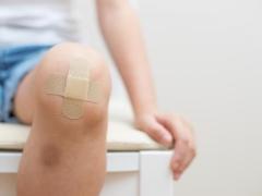 Apa yang perlu dilakukan jika kanak-kanak mempunyai kaki yang sakit?