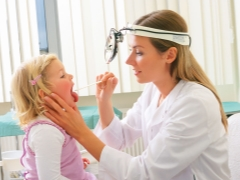 Symptomy a léčba adenoiditidy u dětí