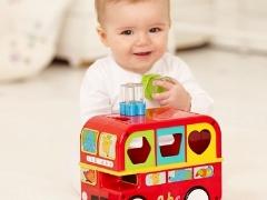 Sorter - een nuttig educatief speelgoed voor kinderen in 1 jaar