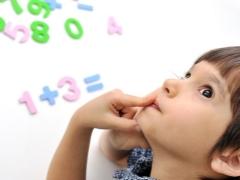 Wie lehrt man ein Kind, um zu zählen?