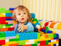 Pereka untuk kanak-kanak dari satu tahun hingga 3 tahun