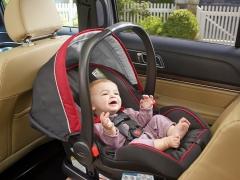 Seggiolino auto per bambini dalla nascita: come scegliere e installare correttamente?