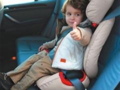 ที่นั่งในรถสำหรับเด็กสูงสุด 36 กก.: คุณสมบัติและตัวเลือกการออกแบบ