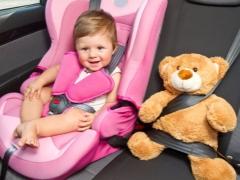 Come scegliere un seggiolino auto per un bambino da 1 anno?