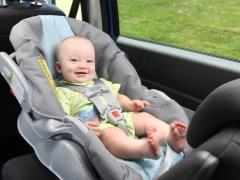 Tempat duduk kereta dari 0 hingga 36 kg dengan kedudukan tidur: ciri dan jenis reka bentuk