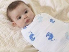 วิธีการห่อทารกแรกเกิดในความร้อน?