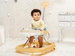 Dari usia berapa anak boleh diletakkan di atas walker dan adakah ia berbaloi?