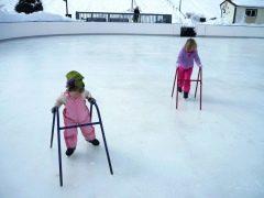 Hoe leer je een kind schaatsen?