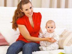 في أي عمر يمكنك البدء في الجلوس للطفل؟