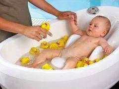 Scegliere un bagno per fare il bagno ai neonati