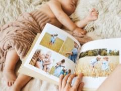 Enjoybook adalah sebuah fotobook buatan tangan keluarga dengan reka bentuk yang unik.