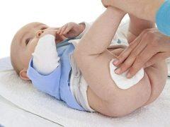 Ruam lampin pada bayi baru lahir: dari penampilan ke rawatan