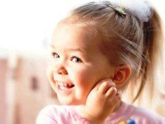 จะตรวจสอบการได้ยินของเด็กได้อย่างไร?