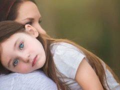 Bagaimana untuk mendapatkan kanak-kanak daripada kemurungan, dan berdasarkan alasan apa yang boleh disyaki?