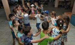 Acest lucru este periculos: Rospotrebnadzor a justificat un tabu cu piesele de la Buzova și Kirkorov pentru copii