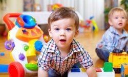 Copiii părinților singuri s-au oferit să ia în grădinițe