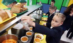 Școlarii vor interzice aducerea alimentelor acasă de la școală