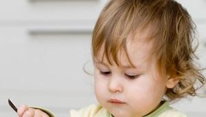 Is het mogelijk om kinderen gember te geven en op welke leeftijd is het de moeite waard om voor het eerst te doen?