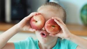 Op welke leeftijd kunnen perziken aan kinderen worden gegeven?