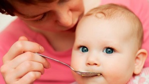 Op welke leeftijd kan een kip aan een kind worden gegeven? Kipsoufflé en andere gerechten uit de voeding