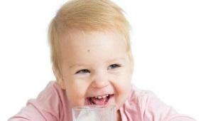 Op welke leeftijd kan je de baby ryazhenka geven?