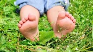 หูดที่ขาของเด็ก