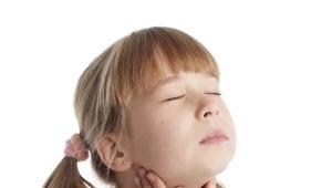 È possibile curare rapidamente un mal di gola a casa?
