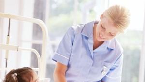 อาการและการรักษาโรคข้ออักเสบในเด็ก