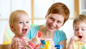 2 세 어린이를위한 교육 활동