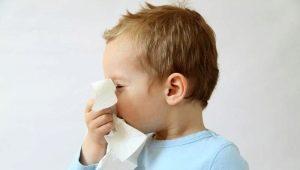 Come rimuovere il gonfiore del naso in un bambino?