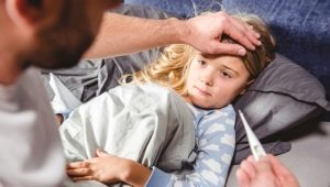 Pourquoi un enfant peut-il faire de la fièvre sans aucun signe de rhume et que faire?
