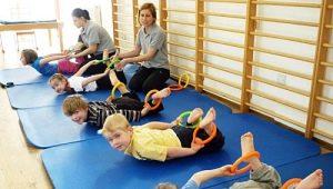 Welke groepen oefentherapie voor kinderen en hoe is de les?