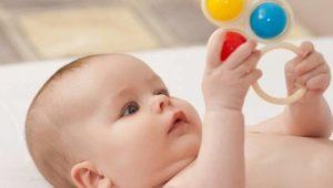 متى يبدأ الطفل في السماع وكيف يتحقق من سماع حديث الولادة؟