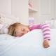 Comment sevrer un enfant pour qu'il couche avec ses parents et quand cela devrait être fait?