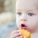 Pada umur berapa anda boleh memberi aprikot kepada seorang kanak-kanak?