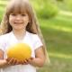 คุณให้แตงแก่เด็กเมื่ออายุเท่าไหร่