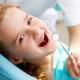 Gengivite - infiammazione delle gengive in un bambino