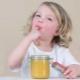 คุณให้น้ำผึ้งลูกของคุณเมื่ออายุเท่าไหร่
