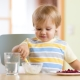 Lingonberry สำหรับเด็ก: คุณสมบัติที่เป็นประโยชน์และเป็นอันตราย